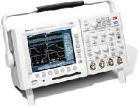 Цифровой запоминающий осциллограф с технологией «цифрового фосфора» TDS3052B