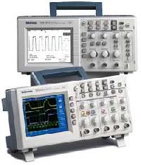 Цифровой запоминающий осциллограф TDS1002