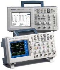 Цифровой запоминающий осциллограф TDS2002